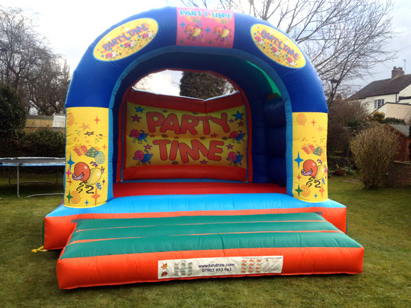 Party Time! Bouncy Castle Childrens & Adults (C) 16ft x 16ft x 14ft£80 Please quote castle number: 15