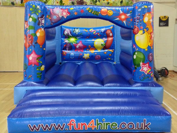 4 poster balloons bouncy castle. 16ft x 11ft x 8ft£65. Please quote number: 74