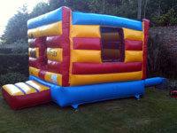 Boxed in 10ft x 14ft bouncy castle - ideal for toddlers �50