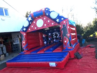 Disco theme Childrens & Adults (C) 16ft x 15ft x 13ft NO LIGHTS/MUSIC£80 Please quote castle number: 25